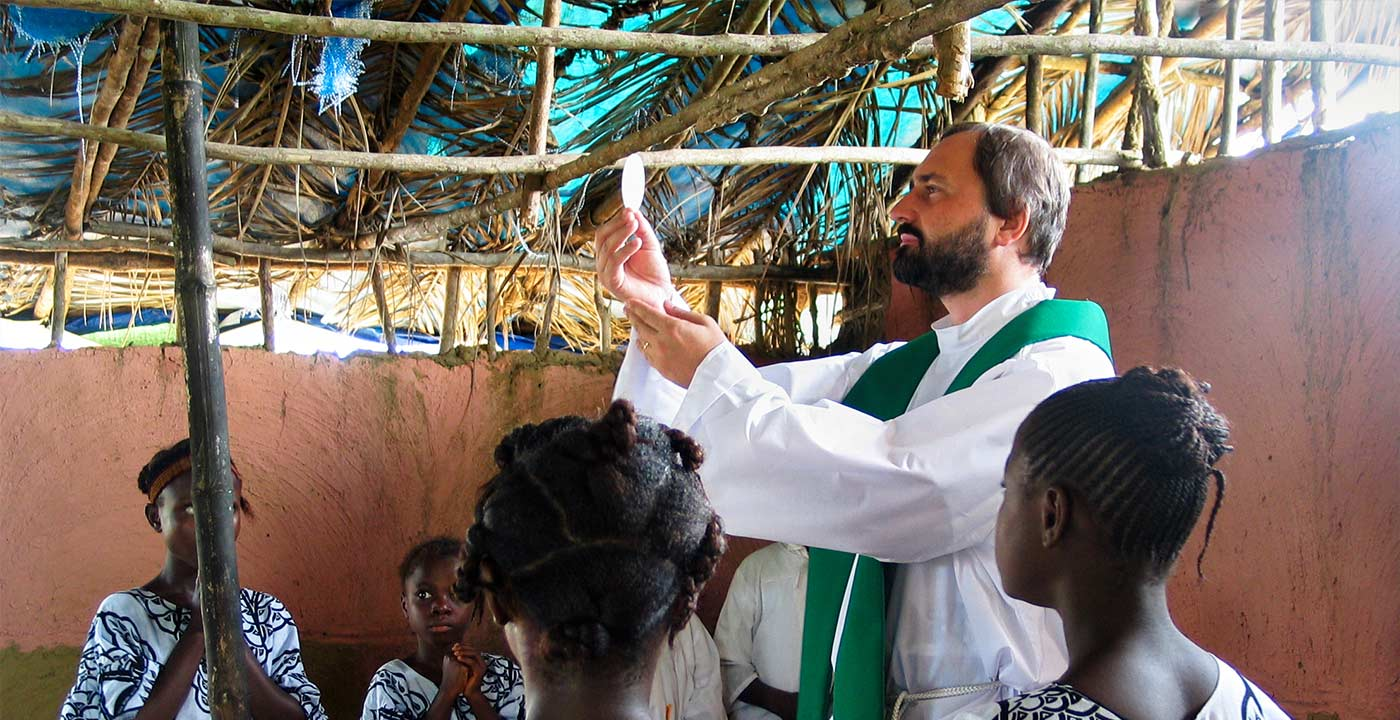 Fr. Jacek Gniadek celebrating mass in Tanzania – Society of the Divine Word – Chicago Province